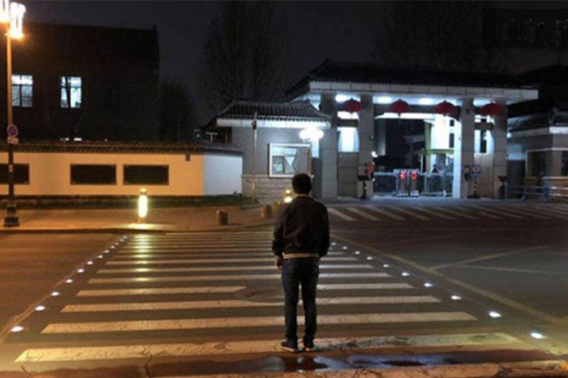 solar road stud lights on road